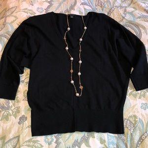 ANN TAYLOR size M black light weight sweater.
